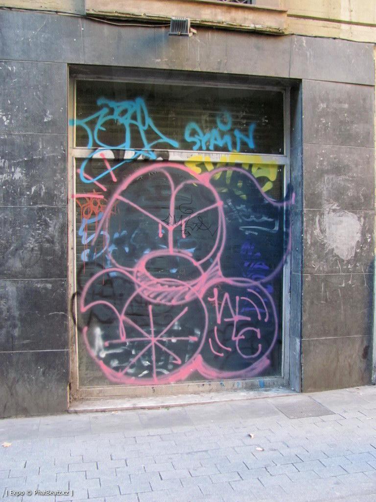 1312-1401_BarcelonaStreet_157