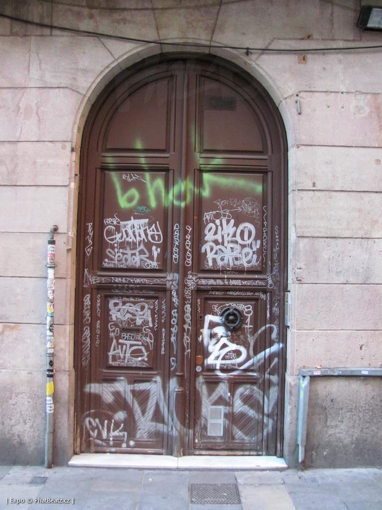 1312-1401_BarcelonaStreet_160