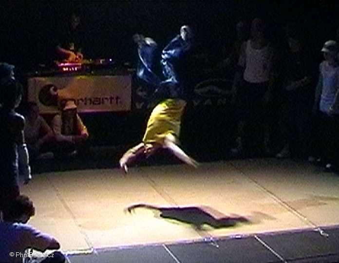 15_kick_the_shit_2002