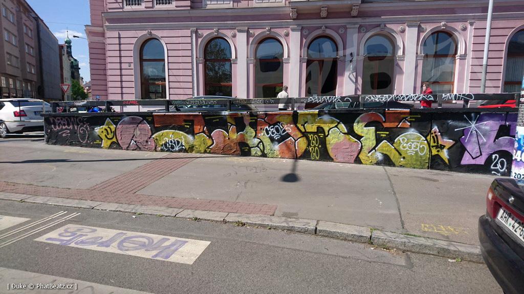 200427_Tesnov_01