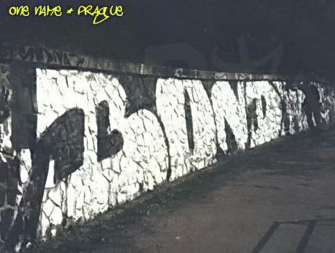 BOND_04