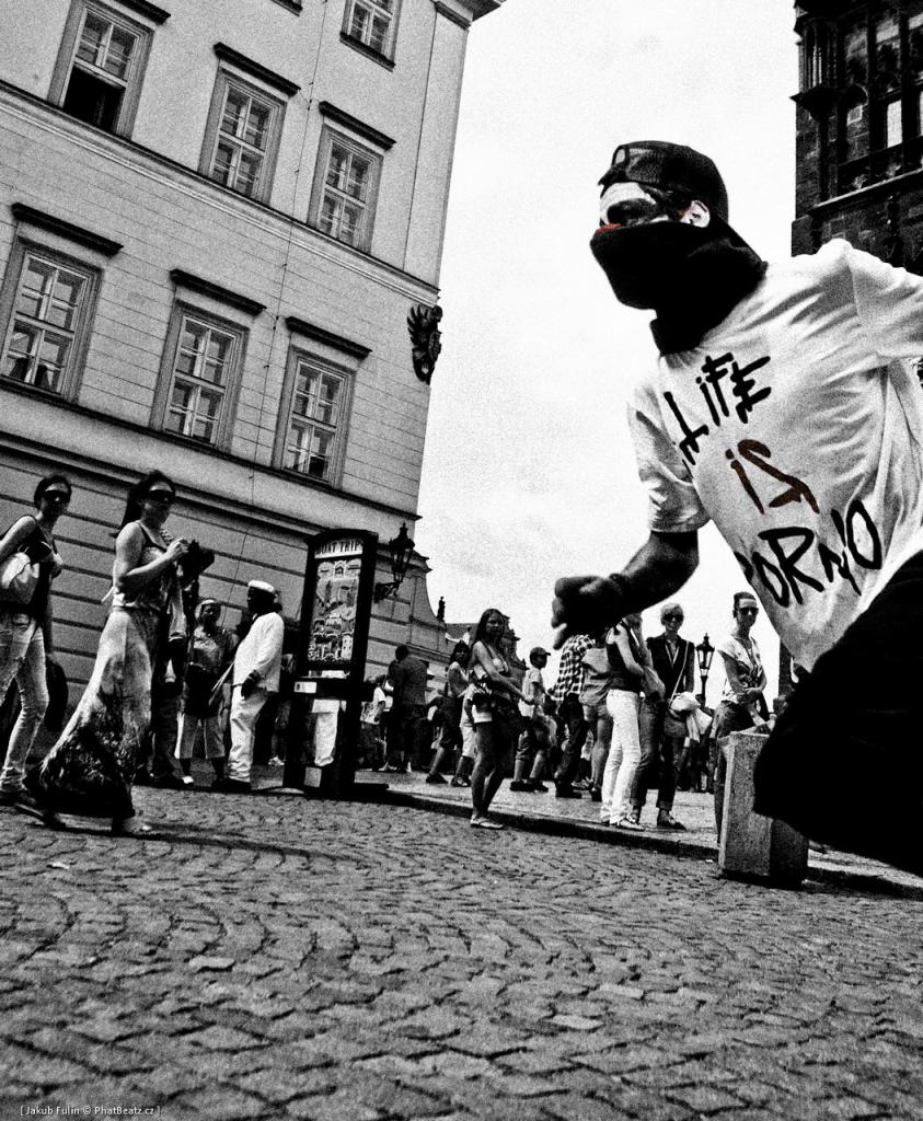Rumpel - Parkour in the streets of Prague (2)